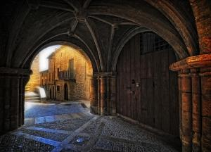 Vault in Calaceite. Source: http://commons.wikimedia.org/wiki/File:Vault_in_in_Calaceite.jpg