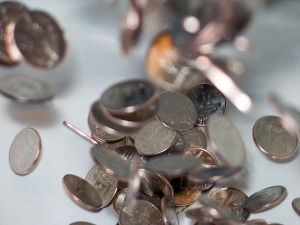 Falling coins. Source: http://www.flickr.com/photos/85169118@N00/3183438063/