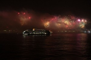 Fireworks seen in Rio de Janeiro from MSC Musica Ship - Copacabana - 2012. Source: http://en.wikipedia.org/wiki/File:Fireworks_in_Rio_de_Janeiro_-_Copacabana_-_Brazil_-_2012.JPG