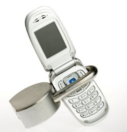Locked cell phone. Source: http://www.asyousow.org/csr/privacy_phone.shtml
