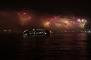 Fireworks seen in Rio de Janeiro from MSC Musica Ship - Copacabana - 2012. Source: http://en.wikipedia.org/wiki/File:Fireworks_in_Rio_de_Janeiro_-_Copacabana_-_Brazil_-_2012.JPG